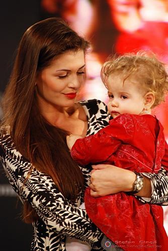 Monica Columbeanu si fiica