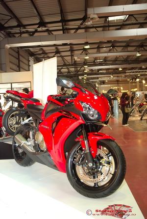 Salonul Moto si Accesorii Prisma 2