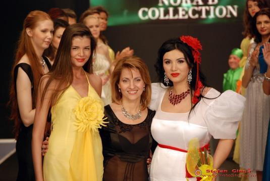 Monica,Nora,Adriana