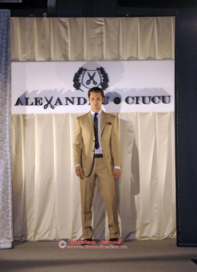 Vanity Him-Alexandru Ciucu
