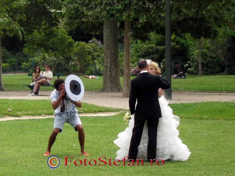 wedding at eiffel tour
