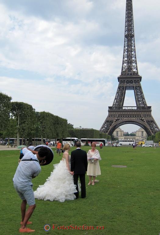 wedding eiffel tour
