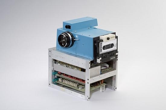 primul aparat foto digital