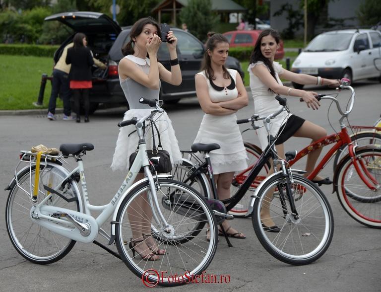 fete si biciclete