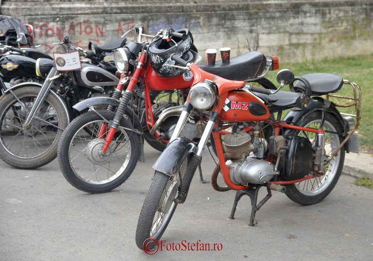 motocicleta MZ