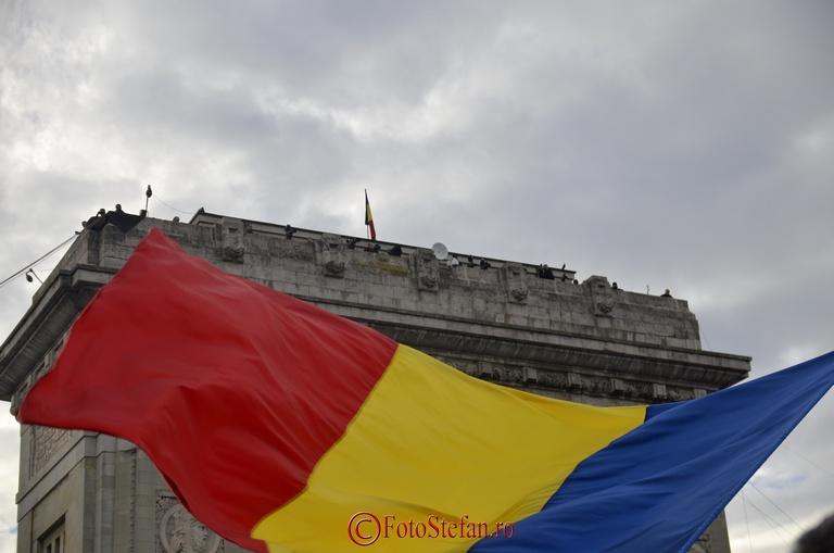 steagul romaniei arcul de triumf