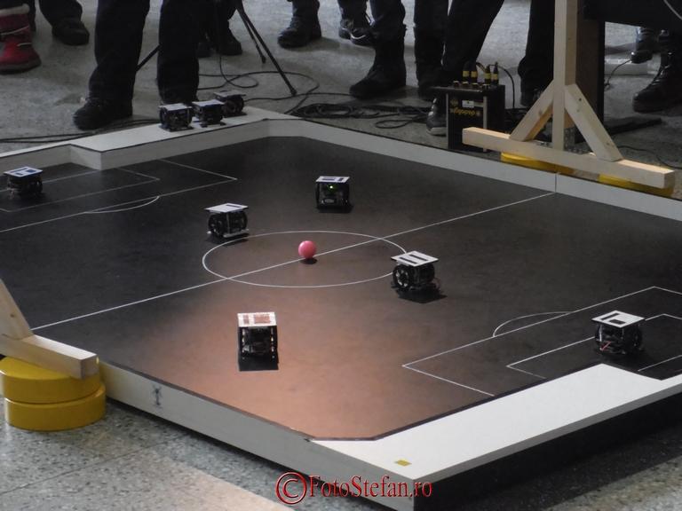 echipa fotbal robotic