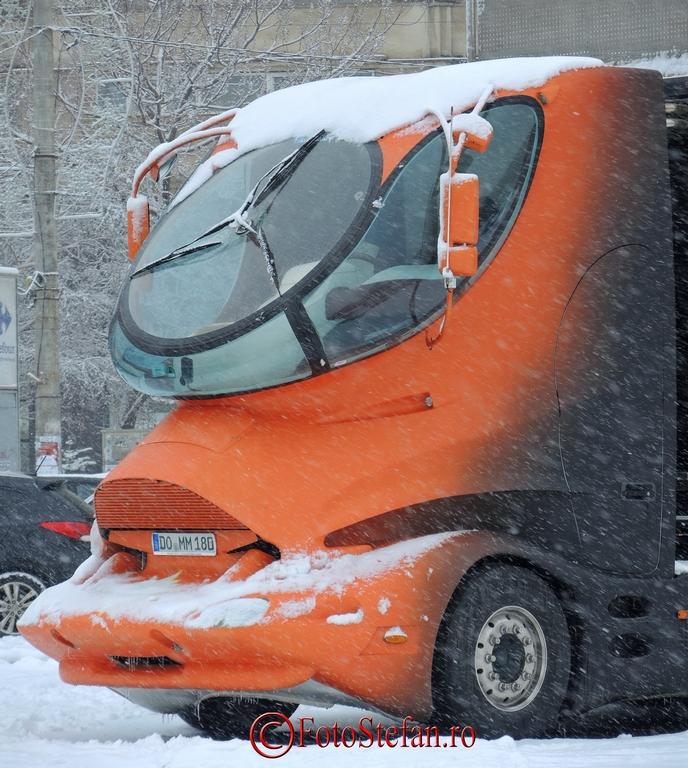 camionul orange