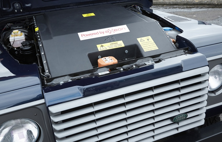motor land rover defender