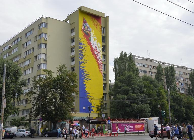pictura murala pe bloc din militari