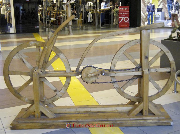 bicicleta din lemn