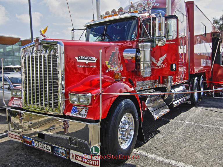 camionul Kenworth W900L
