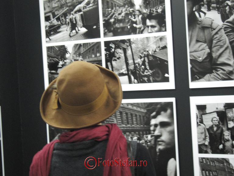"""Expoziția fotografului ceh Josef Koudelka, """"Invazie 68 Praga"""""""