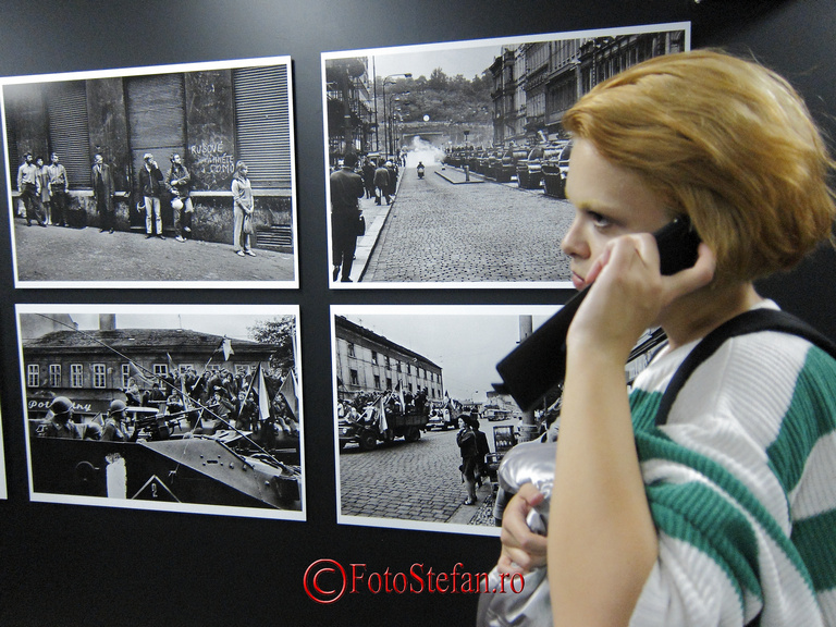 "Expozitia fotografului ceh Josef Koudelka, ""Invazie 68 Praga"""