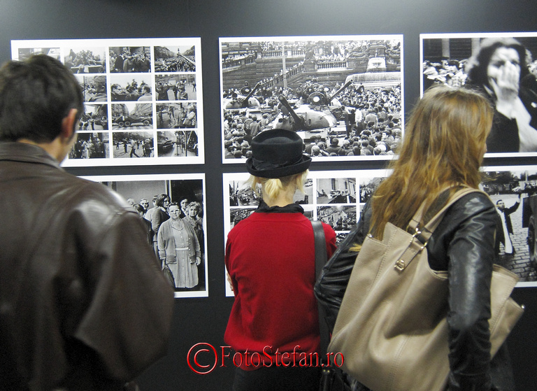 vernisaj expozitie de fotografie la mnac