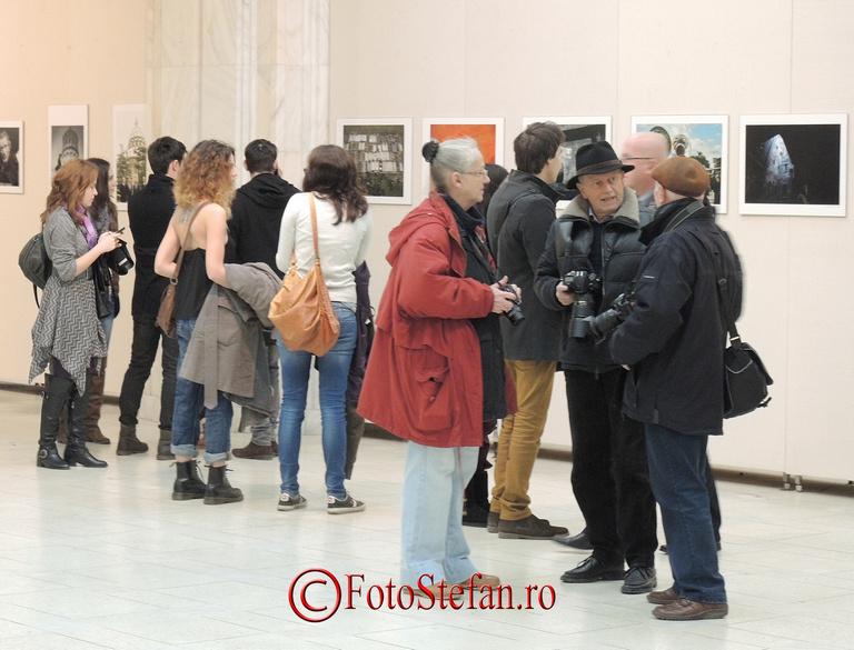 fotografii romani la palatul parlamentului