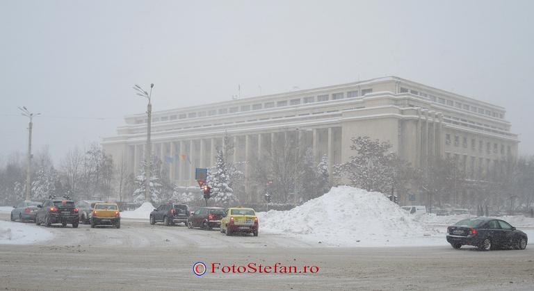 cladirea guvernului iarna