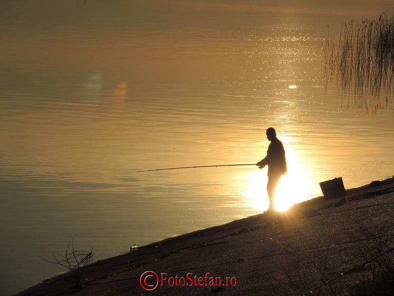 la pescuit seara lacul morii