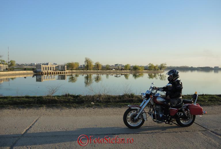 lacul-morii-motociclist