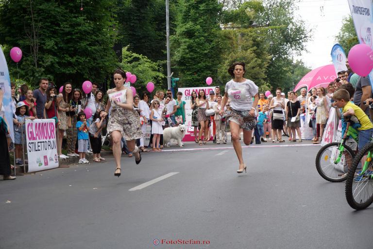 alergat pe tocuri