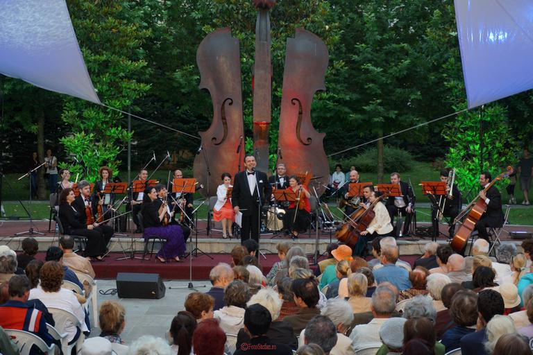 Orchestra Sinfonia Bucureşti parcul coltea