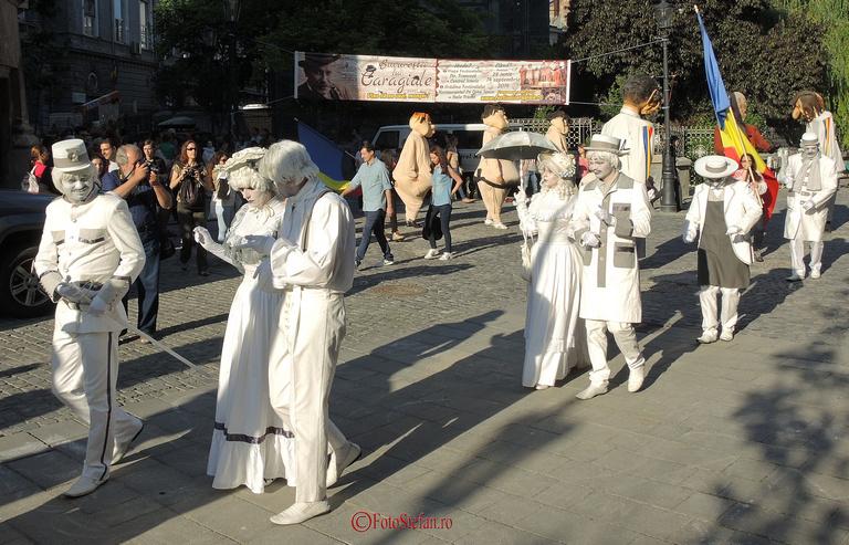 parada actorii teatrului masca