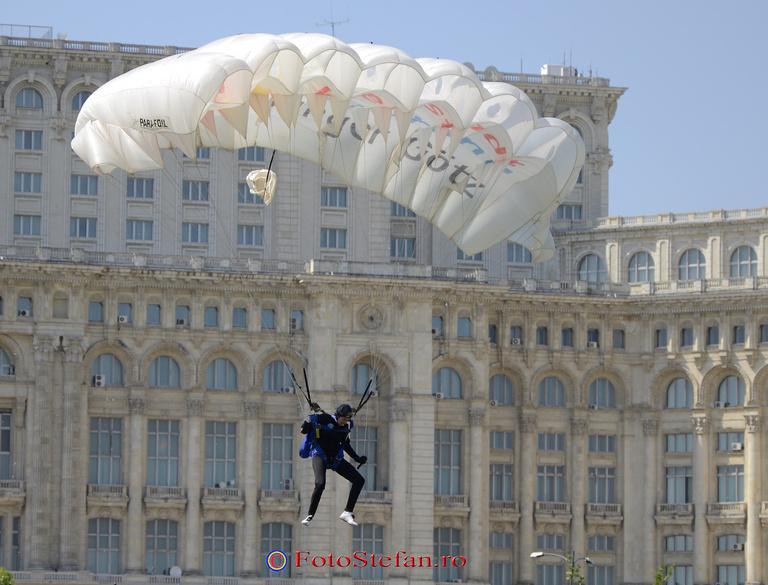parasutista Red Bull Ordinul Smaranda