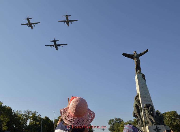avioane Monumentul Eroilor Aerului din Piaţa Aviatorilor