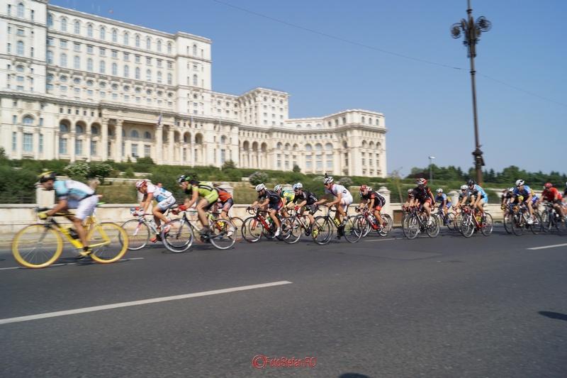 palatul parlamentului traseu ciclism