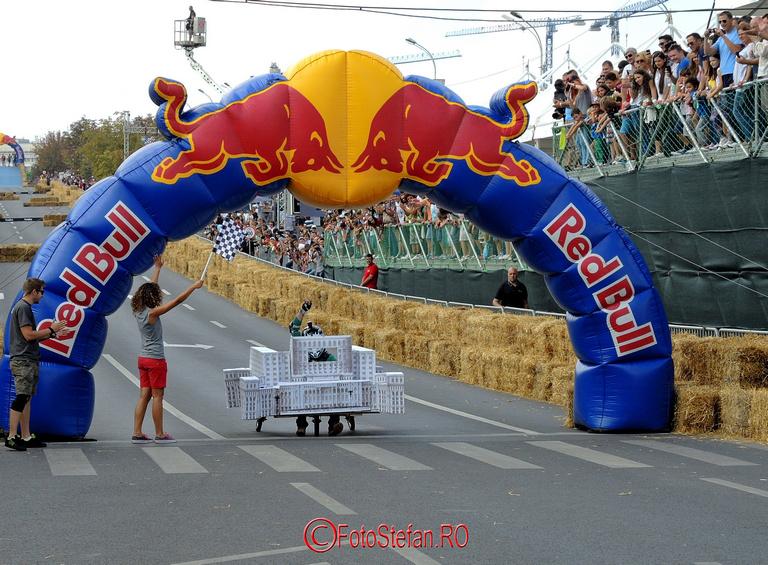 casa tuturor pe roti Red Bull SoapBox Race