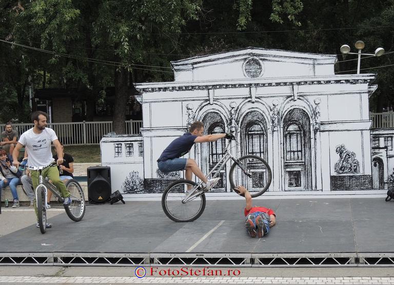 Upgrade-crew biciclete acrobatii