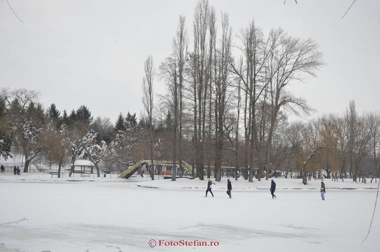 bucuresti lac titan inghetat iarna
