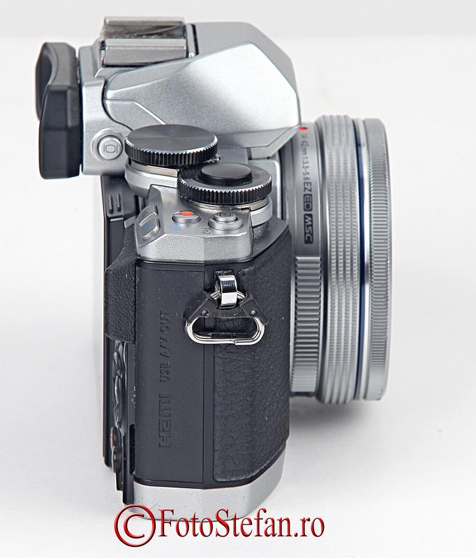 Olympus OM-D E-M10 cu obiectivul 14-42 f/3.5-5.6 EZ Pancake