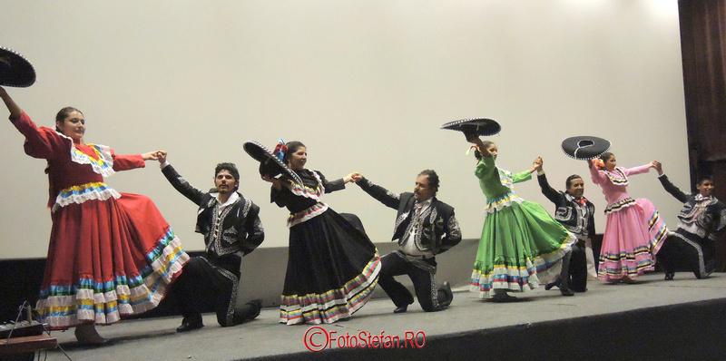 """dansatori Yuhua"""" din Ocotlan de Morelos"""