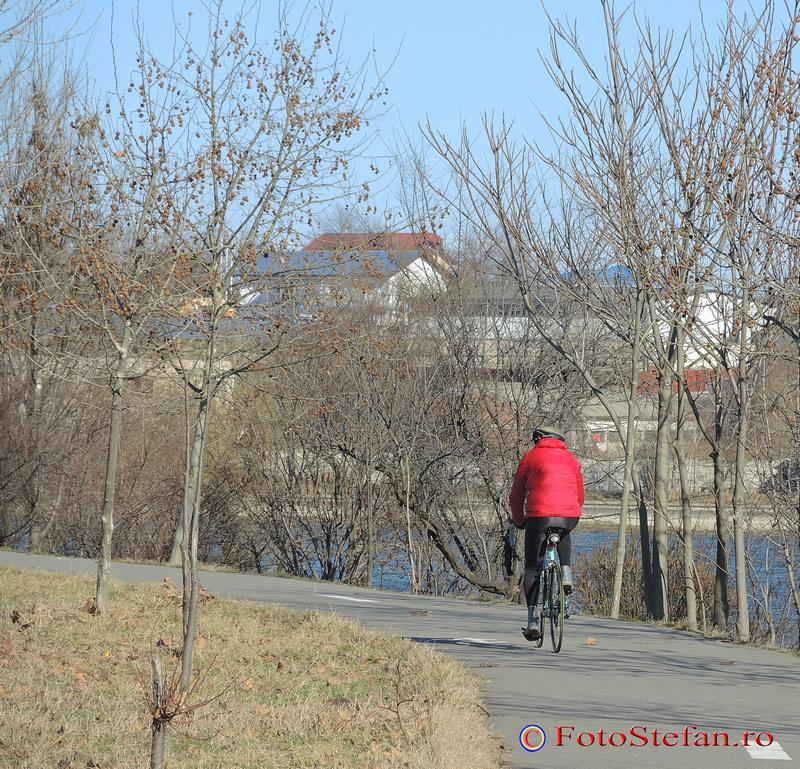 biciclist parcul plumbuita bucuresti