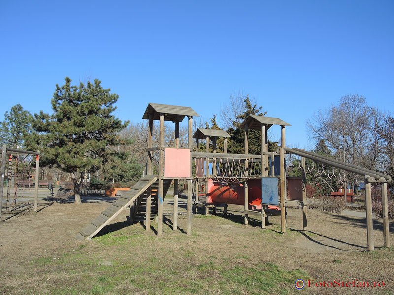 spatiu de joaca parc plumbuita colentina