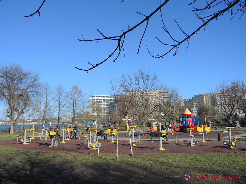 loc de joaca parcul plumbuita bucuresti