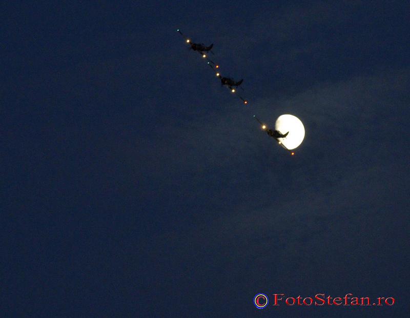 YAK 52 TW luna nopate