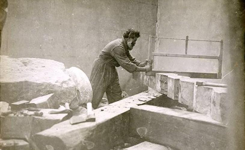 sculptor Constantin Brancusi ateliert