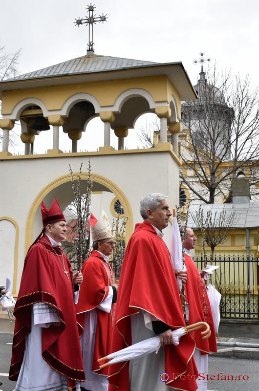 Arhiepiscopul Francisco -Javier Lozano duminica floriilor bucuresti