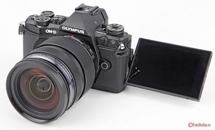 lcd articulat aparat foto Olympus webcam