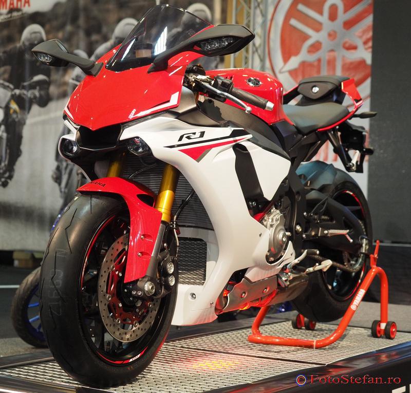 Yamaha R1 smaeb 2015