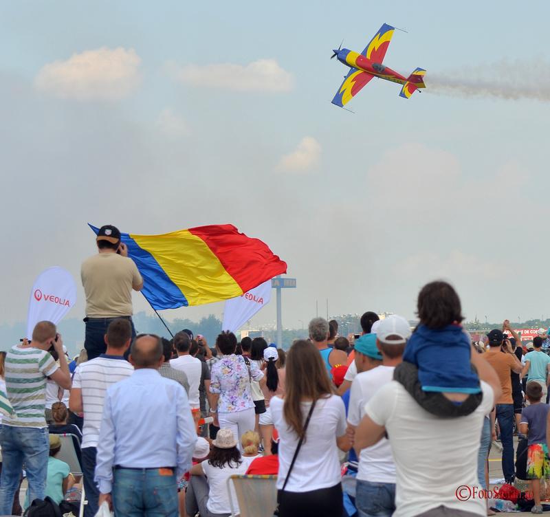 Bucharest International Air Show 2015 Extra 300 Hawks of Romania