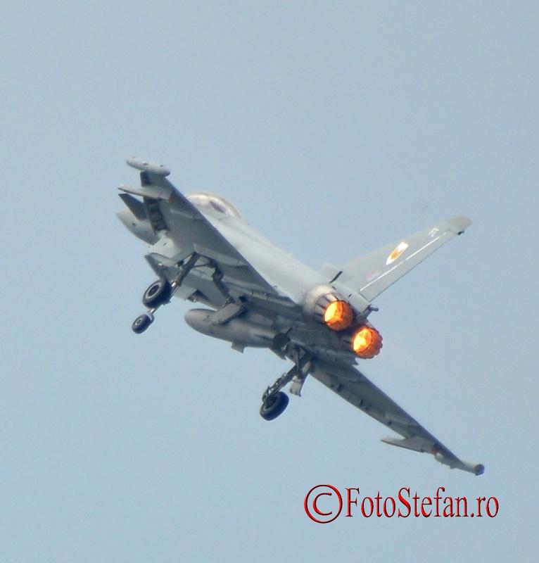avion multi-rol militar