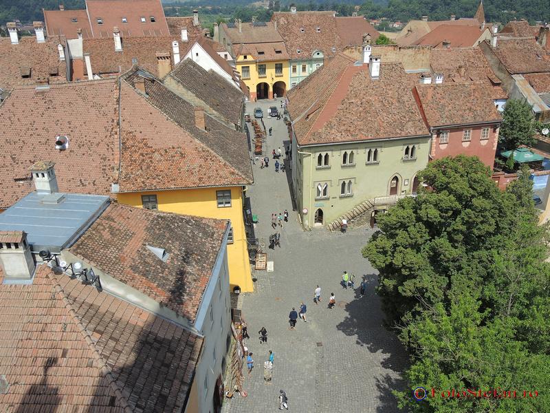 piata muzeului sighisoara turnul cu ceas
