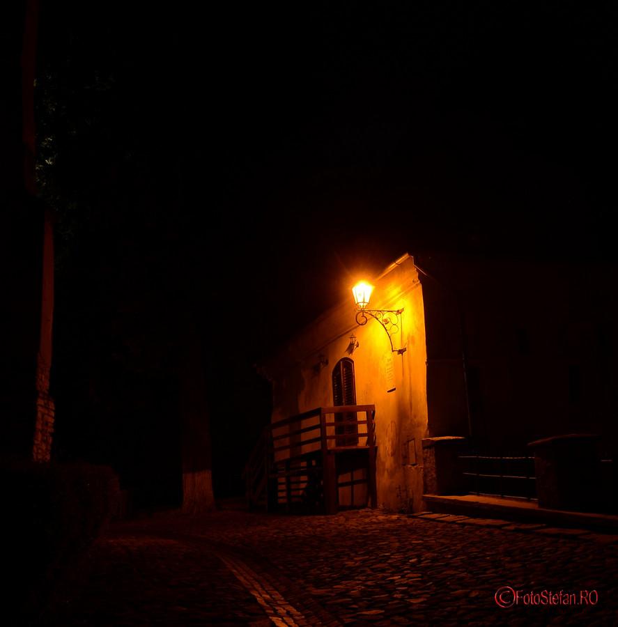 centrul istoric sighisoara poze noaptea