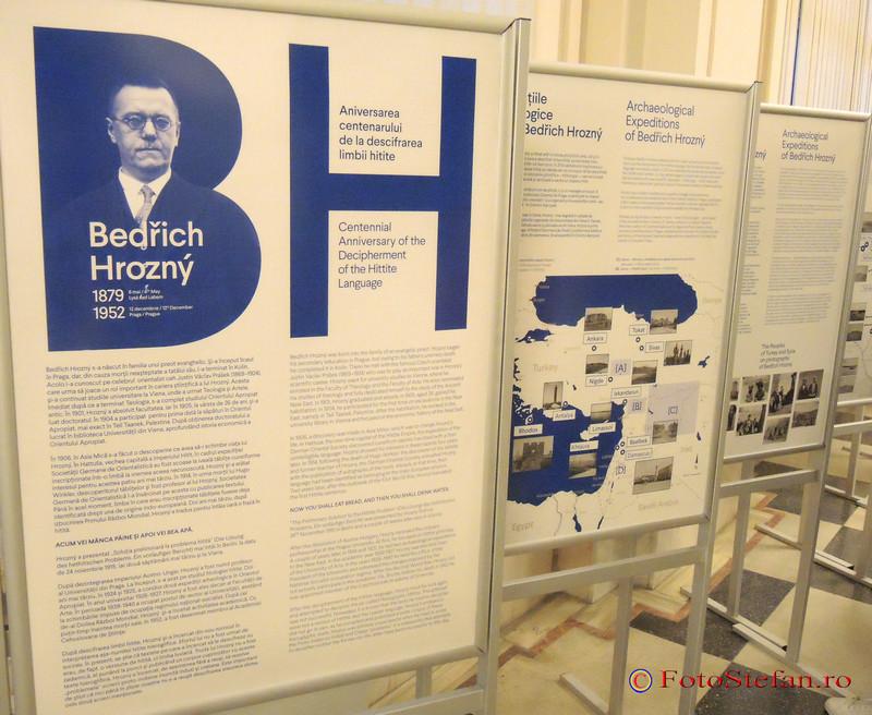 arheolog Bedrich Hrozny mnir expozitiei