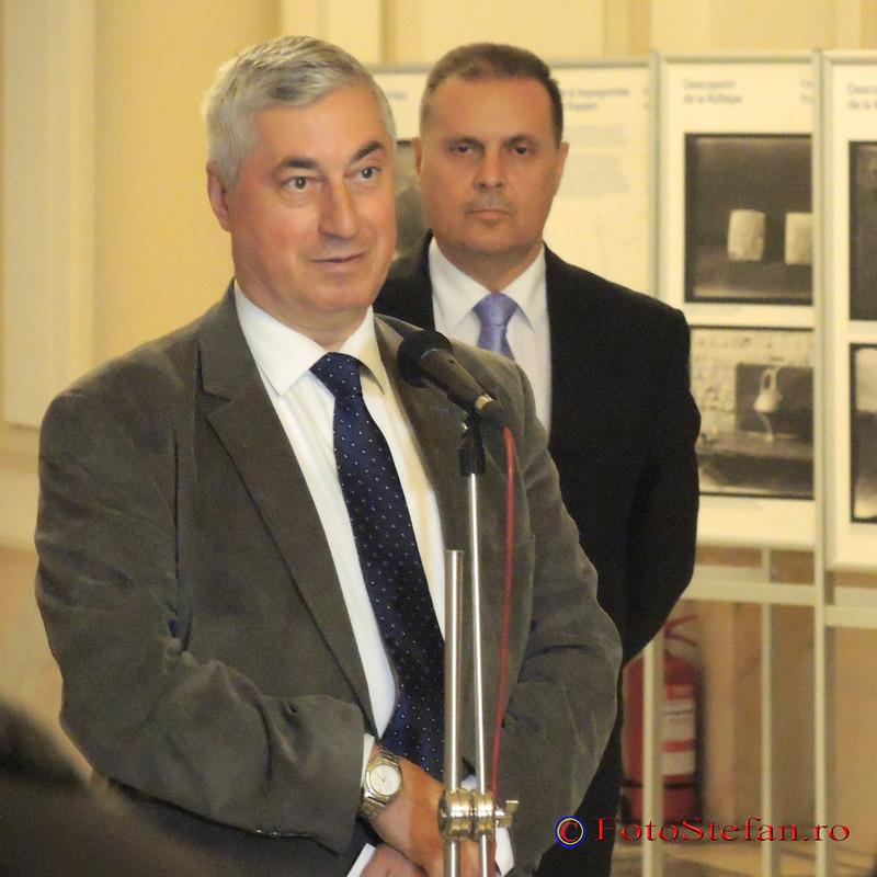 poza foto Ernest Oberländer-Târnoveanu, director general al Muzeului Naţional de Istorie a României