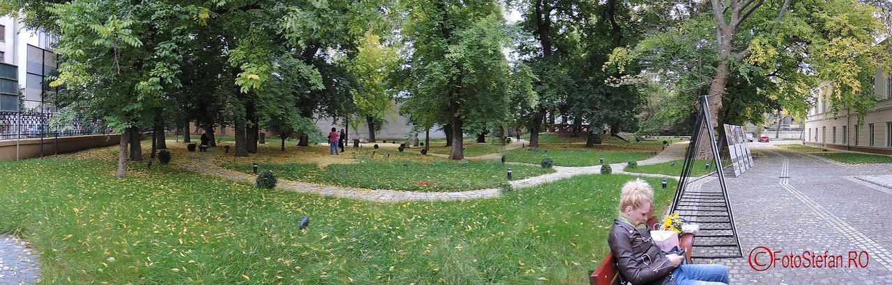curte Casa Filipescu-Cesianu foto panoramic