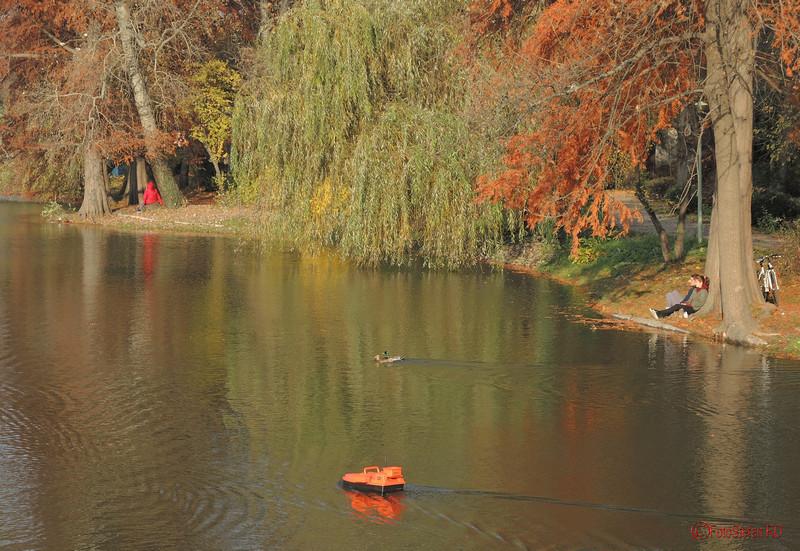 poze vaporas telecomandat lac parcul carol bucuresti
